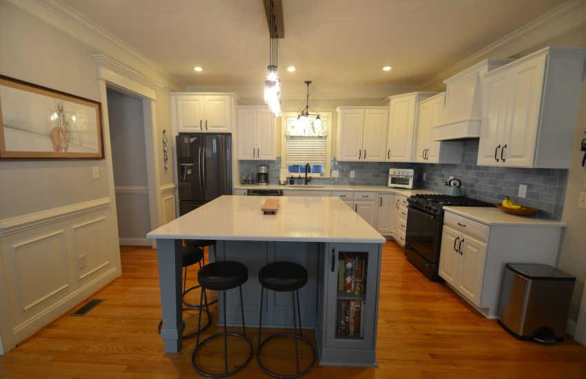 blue backsplash kitchen